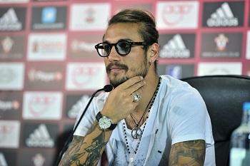 Osvaldo : Conte Buat saya Lebih Berkeringat | Berita Bola