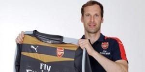 Cech Resmi Berseragam Arsenal | Berita Bola